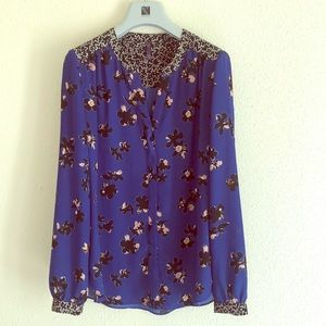 NYDJ Not Your Daughters Jeans blue floral blouse
